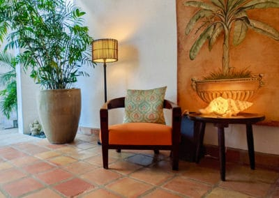 1080x1080-sandcastleonthebeach-gallery-hotel-093