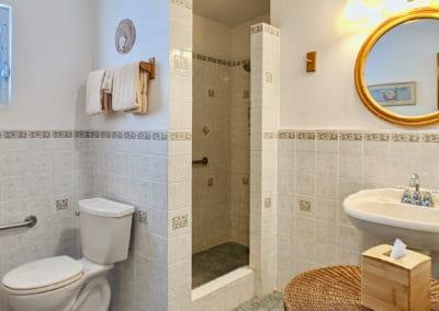 1080x1080-sandcastleonthebeach-rooms-dolphin_villa-053