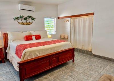 1080x1080-sandcastleonthebeach-rooms-dolphin_villa-056