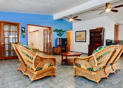 1080x1080-sandcastleonthebeach-rooms-dolphin_villa-057