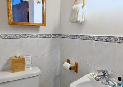 1080x1080-sandcastleonthebeach-rooms-dolphin_villa-058