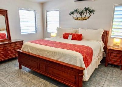 1080x1080-sandcastleonthebeach-rooms-dolphin_villa-059