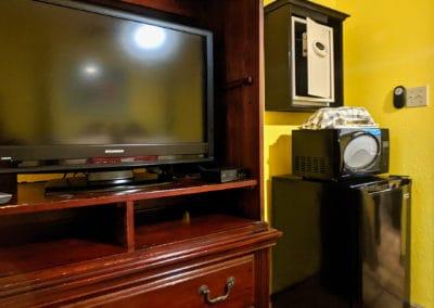 1080x1080-sandcastleonthebeach-rooms-queen_studio-077