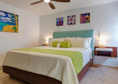 1080x1080-sandcastleonthebeach-rooms-seaview_suite-014