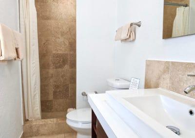 1080x1080-sandcastleonthebeach-rooms-seaview_suite-024